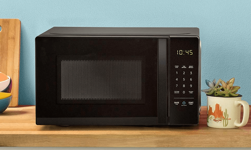 Amazon Basics Microwave