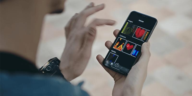 ピクセルアートはスマートフォン専用のアプリ(iOS, Android対応)から簡単に変更できる